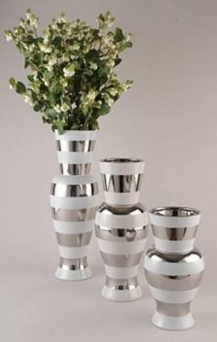 Vase hvit med sølvstriper L